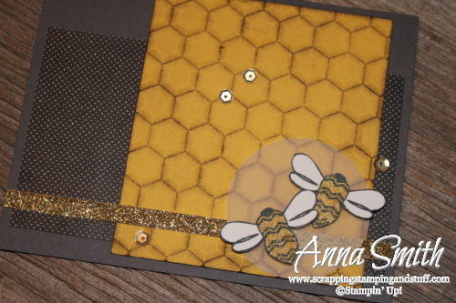 Birthday bee card idea made with Stampin' Up! Pun Intended stamp set and Hexagons embossing folder - Annual catalog 2016-2017