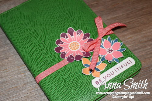 Decorated journal diy gift idea made with Stampin' Up! Flower Patch stamp set