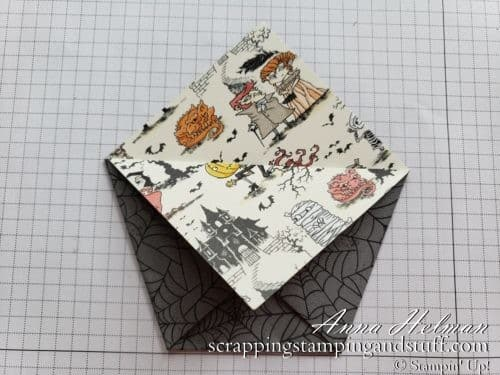 DIY Halloween treat - a folded paper pocket treat holder with tutorial. Super quick and easy to make! With Stampin Up Wonderfully Wicked stamp set in the 2019 Holiday Catalog.